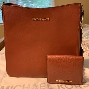 Micheal Kors Signature Cross Body